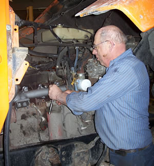 how to become a heavy equipment mechanic